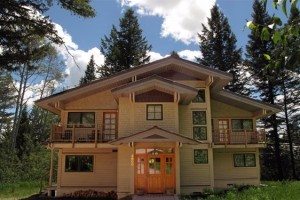 Rendezvous Mountain Rentals :: Offering a wide variety of condos for all budgets. Locations include Teton Village, The Aspens, & Teton Pines. Choose from 1-4 bed condos, or 3-5 bed townhomes. Book today!