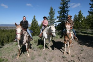 Yellowstone Mountain Guides - best priced Day Ride :: Daily guided trail rides (2-hour, 1/2 and full day) in and outside Yellowstone Park. 30+ years experience matching families to their best adventure.