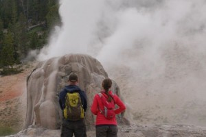 Yellowstone Hiking Guides - guided hiking tours :: Wildlife hiking safaris to the Lamar Valley and Lone Star Geyser. Tours include expert guides, spotting scopes, packs, trekking poles, bear spray, and gourmet lunch.
