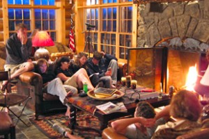 Flying Pig - Cabin & Home Rentals near Yellowstone :: Select from riverfront cabins and lodge rooms or large mountaintop rental homes (sleep 6-15+). Can combine with breakfast, dinner & activities through our booking service.