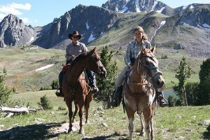 Horseback Trail Rides with Yellowstone Mtn Guides