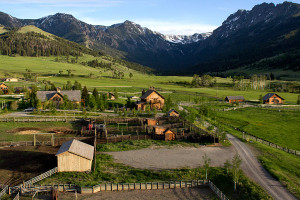 Private Luxury Retreat for Groups up to 35 : If money is no object and you'd like your clan to have the best accommodations among nearly 2000 acres of Montana's most beautiful scenery near Yellowstone, come see this.