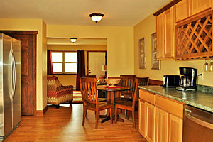 Yellowstone Condo Suites - nice lodge rooms