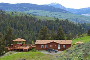 Yellowstone Suites - Mountain Cabin homes
