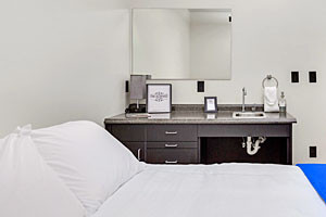 The Outpost - Stylish Micro Hotel Rooms