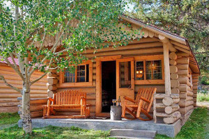 Silver Gate Lodging - near Cooke City MT