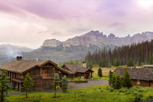 Brooks Lake Lodge - Guest Ranch & Luxury Spa