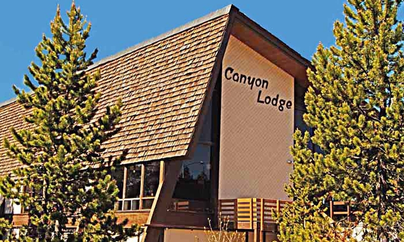 Yellowstone Canyon Village Lodge