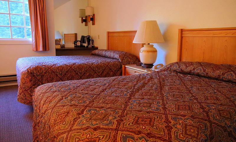 Grant Village Lodge Hotel Lodging Yellowstone Park