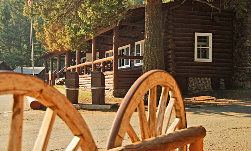Lodging In Yellowstone National Park Hotels Lodges