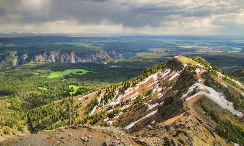 Mount Washburn In Yellowstone Alltrips