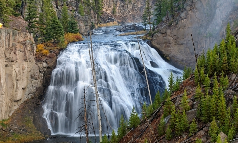 Yellowstone National Park Rv Parks >> Lower Grand Loop Road in Yellowstone - AllTrips