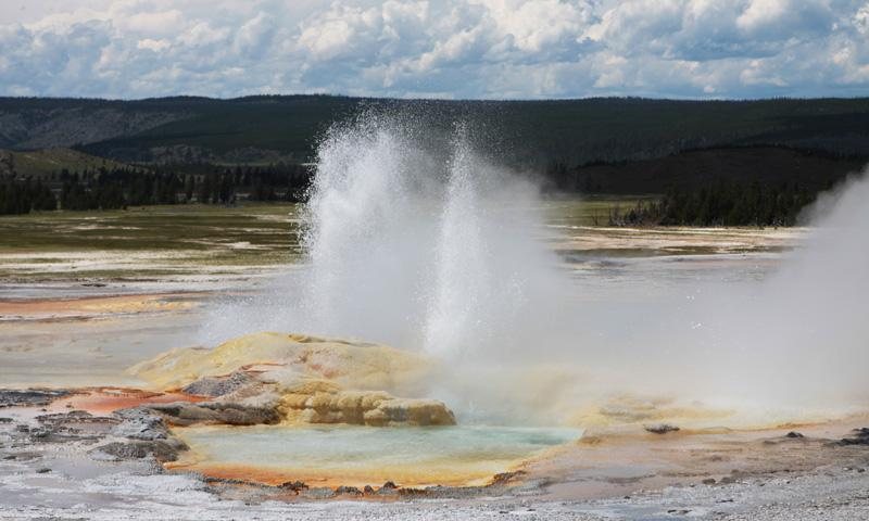 All Seasons Rv >> Fountain Paint Pot in Yellowstone National Park - AllTrips