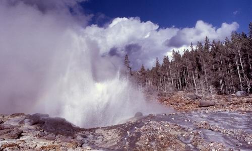 Yellowstone Steamboat Geyser