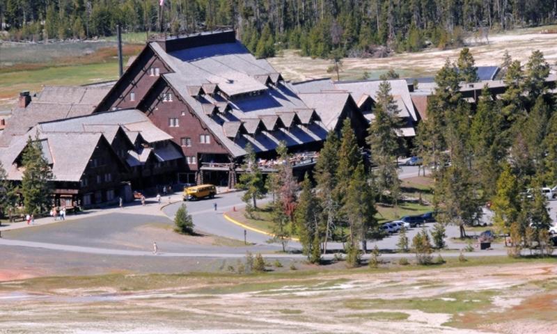 Old Faithful Inn Yellowstone Lodging
