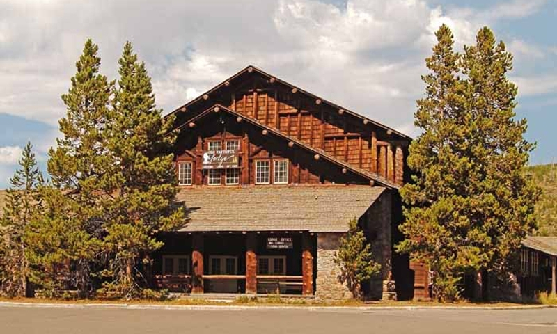 Hotels Near Old Faithful In Yellowstone National Park