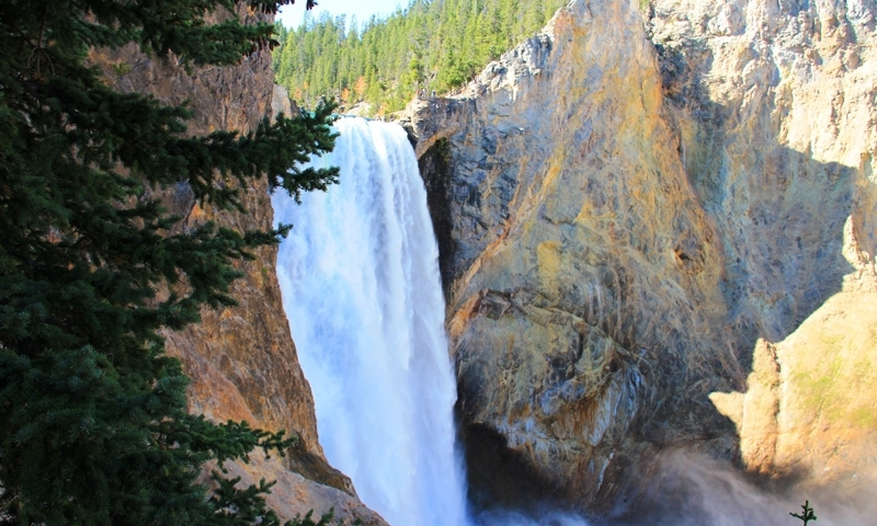 Yellowstone Falls from the Uncle Toms Cabin Hiking Trail