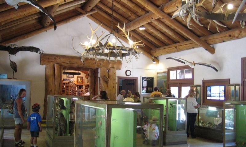 Yellowstone History Amp Museums Yellowstone Lake Village