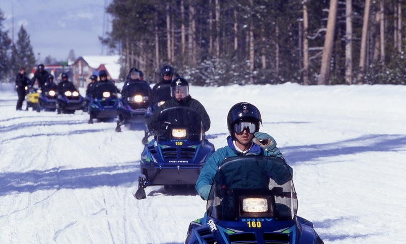 Snowmobiling Tour Yellowstone