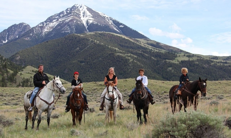 Horseback Riding in Gardiner Montana