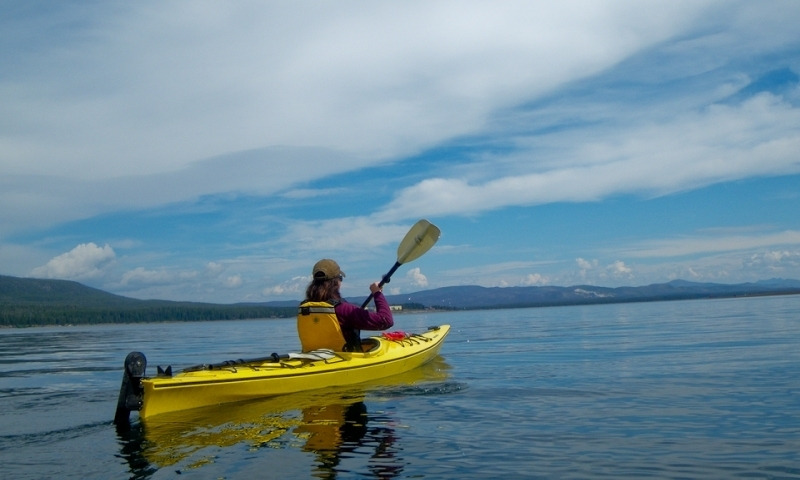 Kayak Lake Yellowstone