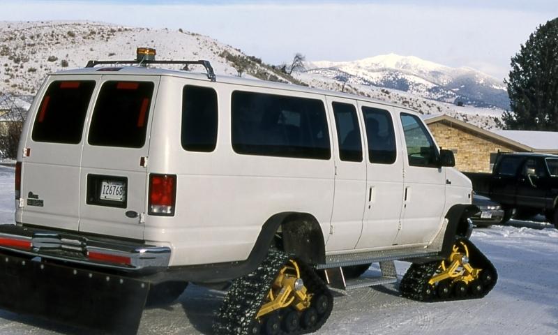 Snowcoach Yellowstone
